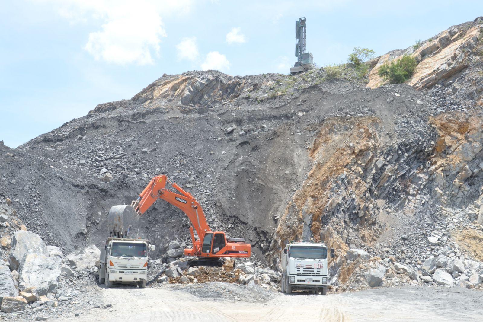 คัดค้านขอใช้ประโยชน์พื้นที่ทำเหมืองแร่หินก่อสร้าง ของบริษัท พารุ่งฯ หลังคณะกรรมการตรวจสอบไฟเขียว ส่งให้กรมป่าไม้พิจารณา