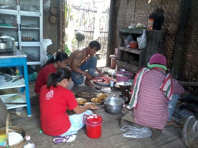 ความสุขของชาวนา ที่เก็บเกี่ยวข้าวเสร็จ